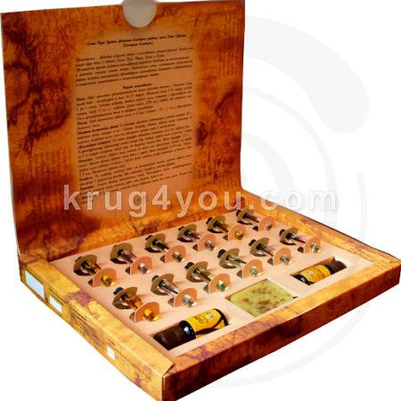 Набор Ароматы мира Восток включает эфирные масла: Иланг–иланг, Пачули, Розовое дерево,Орех мускатный, Сандал, Имбирь, Эвкалипт, Лиметт, Чайное дерево, Лавр, Лайм,Нероли,Апельсин,Лаванда и натуральное мыло.
